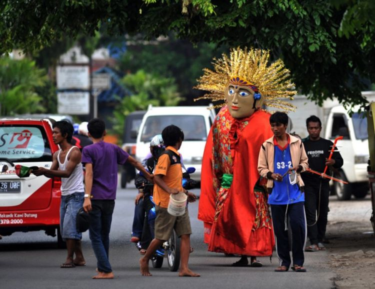 7 Unique Jobs that Only Exist in Indonesia